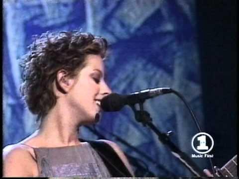 Building A Mystery [Grammys '98] - Sarah McLachlan w/ Paula Cole & Shawn Colvin