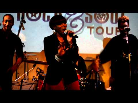 "Estelle Perform ""Break My Heart"" Live @ Black Girls Rock  & Soul Tour"