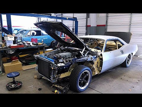 1971 Plymouth Barracuda Pro Touring Muscle HEMI Shaker Hood Car Build Project