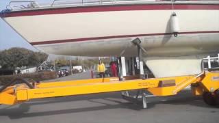 Roodberg консольный кран(обработка яхты консольным краном Roodberg SPC20 и постановка на кильблоки гидравлическим трейлером., 2014-06-23T05:29:39.000Z)