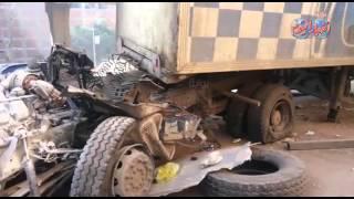 شاهد بالفيديو آثار انقلاب سيارة بمقطورة من أعلي كوبري الدائري المريوطية فيصل