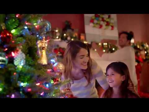 Lindsey Lamer: The Home Depot TV Commercial  'La magia de las fiestas Star er' SPANISH