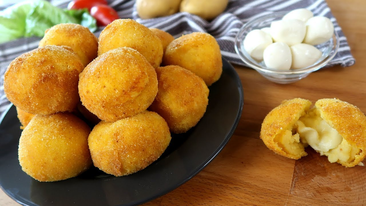 crocchette di patate con cuore di mozzarella filante