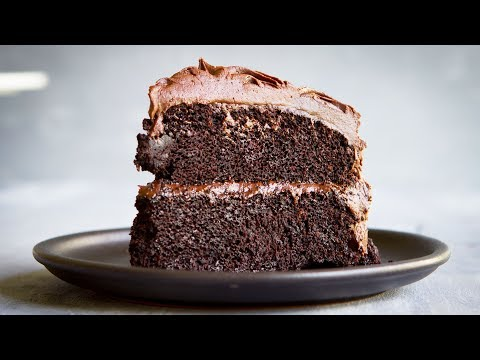 The Best (VEGAN) Chocolate Cake Recipe II (eggless, dairy-free) - Hot Chocolate Hits