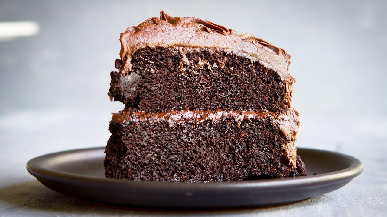 The Best (VEGAN) Chocolate Cake Recipe II - Hot Chocolate Hits