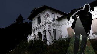 Pałac pogrążony w ciemności... Urban Exploration