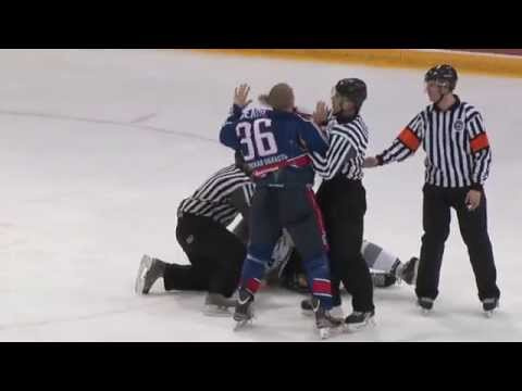 Драка: МХЛ: Андрей Белов (Капитан Ступино, №36) vs Ян Биттнер (Патриот Будапешт)