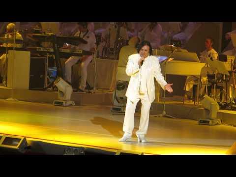Renato Zero AMO Roma live 19 -12- 2013