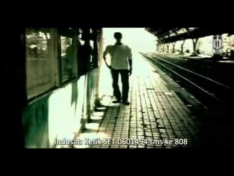 Chrisye Feat  Peterpan   MENUNGGUMU Official video