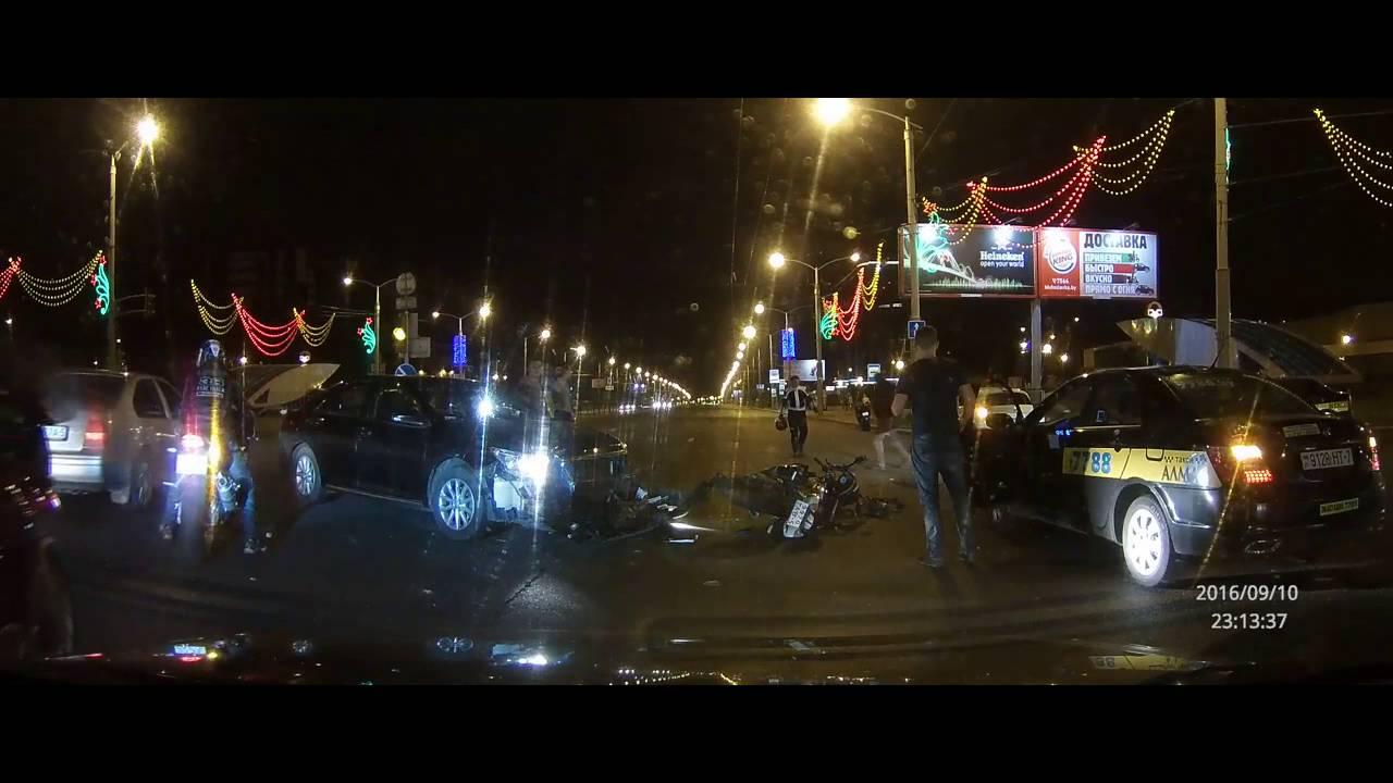 ДТП с мотоциклистом (Видео пользователя)