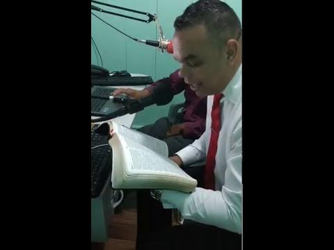 MISSIONARIO REGIS DA CIDADE DE PORTO ALEGRE PREGANDO A PALAVRA NA RADIO    IGREJA MORADA CELESTIAL