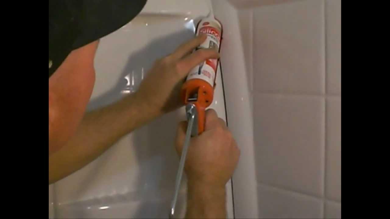 how to recaulk a shower bathtub
