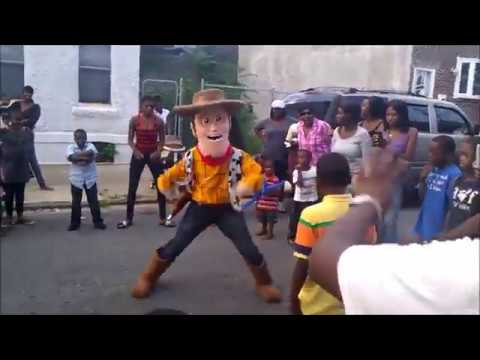 Italian Dance Battle Woody vs. Little Kid