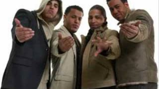 Watch Aventura Tell Me Why video