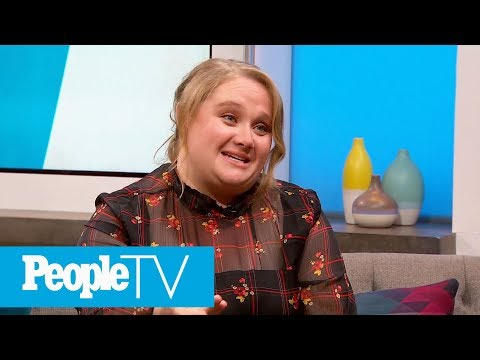 Danielle MacDonald: It Was 'Horrifying' Singing In Front Of Dolly Parton For 'Dumplin' | PeopleTV Mp3