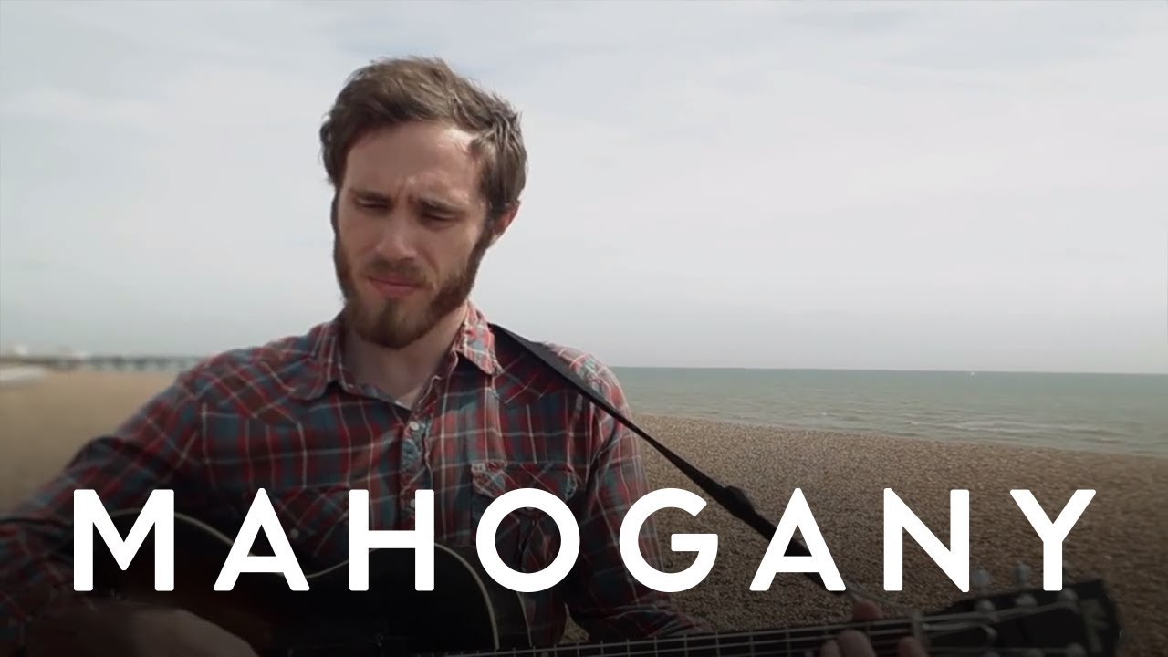 james-vincent-mcmorrow-follow-you-down-to-the-red-oak-tree-mahogany-session-mahogany-sessions