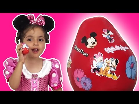 GIANT MINNIE MOUSE SURPRISE EGGS OPENING - Mickey & Goofy Toys Unboxing - Princesses In Real Life