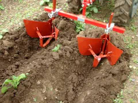 Butter les pommes de terre avec un butoir pour motoculteur ou micro tracteur chez tdo youtube - Comment planter des asperges ...