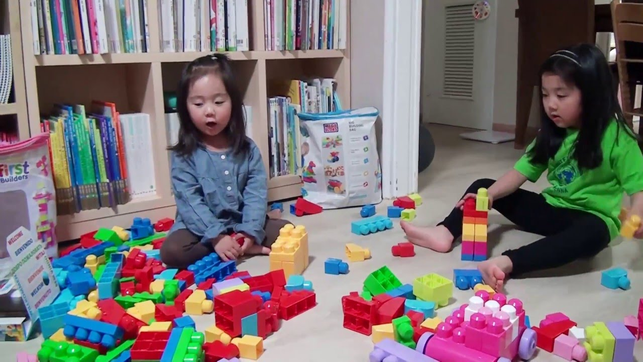 Mega Bloks Tafel : First play with blocks with mega bloks fisher price youtube