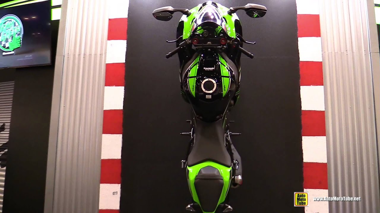 2016 Kawasaki Ninja ZX10R Hanging Bike Naked Frame And Engine Walkaround