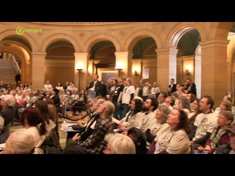 Wolf Supporters Rally For Hunting Ban In Minnesota