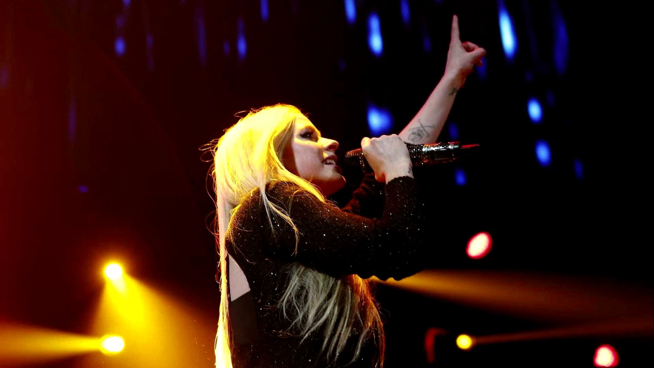 Avril Lavigne Nobody S Home Live Acoustic Bonus Track