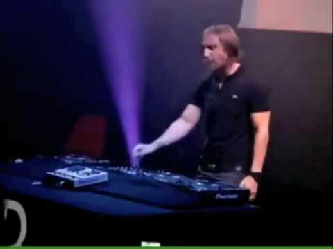 Big Fail For David Guetta in Live!