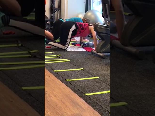 Moeders doen een push up