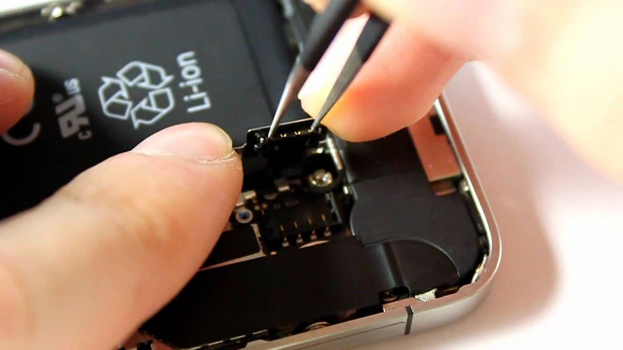 How to Replace the Battery on the iPhone 5 - YouTube