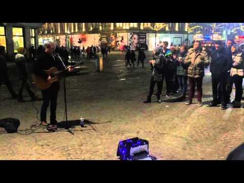 Just Tom - Cover One (U2) Dam square Amsterdam 2016