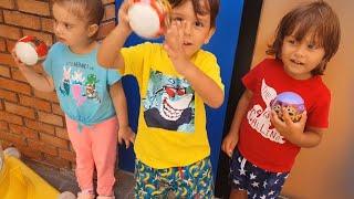 fatih selimelyusuf makineye para atp renkli srpriz toplardan alyorlariinden oyuncak kacak