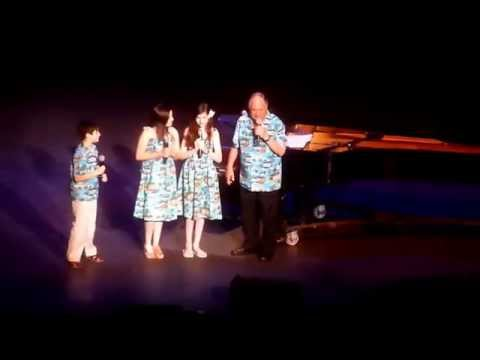 Neil Sedaka with Grandkids, Honolulu Concert, 3-28-15