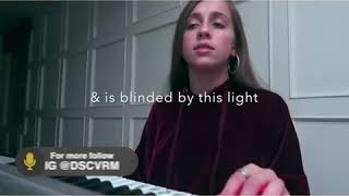 Baixar Girl singing a beautiful song heartbreaking