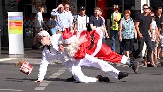 COLONEL SANDERS FIGHTS SANTA!! (Public Brawl)