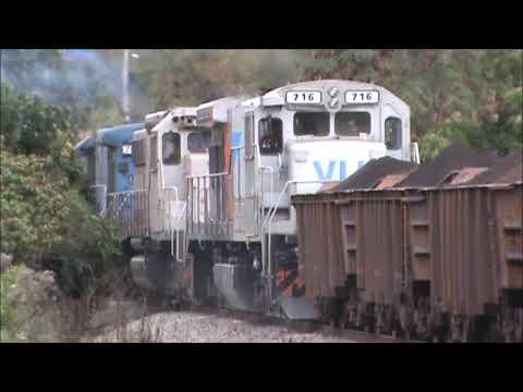 Trem carregado com minério em Betim - MG