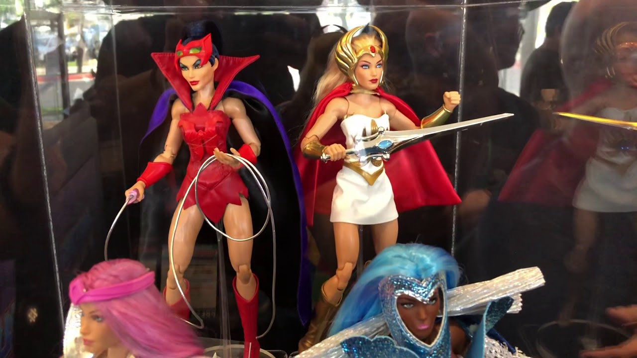SHE-RA and the Princesses of Power SHE-RA Doll Netflix BRAND NEW 2019 COLLECTOR