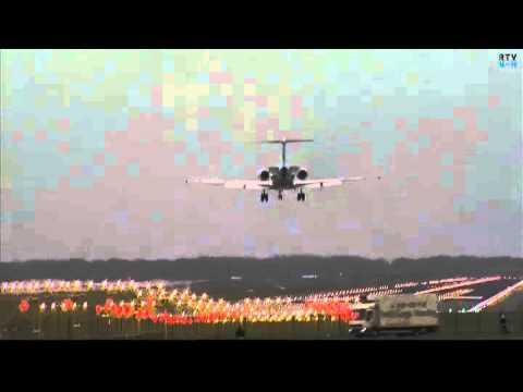 Emirates Airbus A380, KLM 747-400 en andere toestellen landen tijdens de storm op Schiphol
