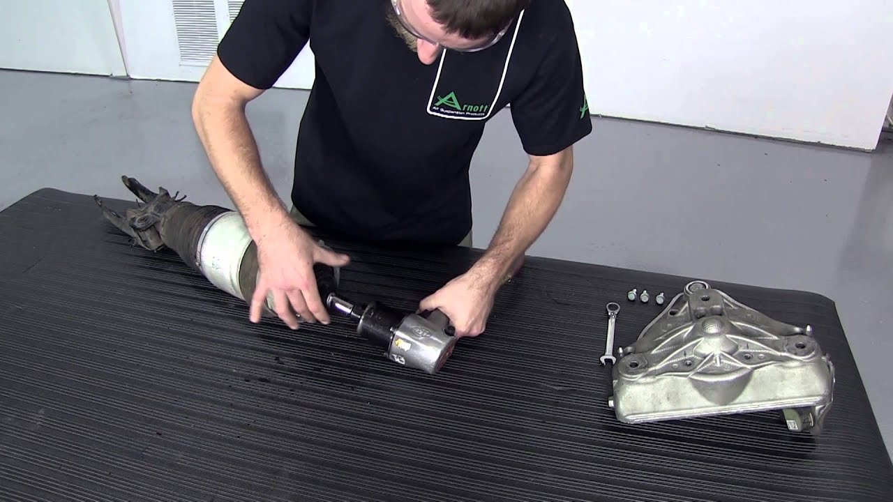 Replacing Front Air Spring On Cayenne Touareg Q7 With