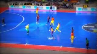 Барселона играет в мини-футбол.Barcelona playing mini football