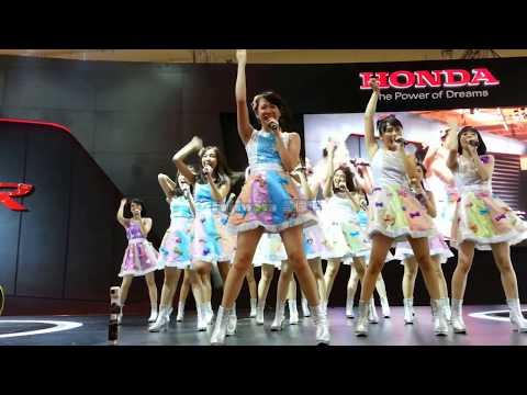 JKT48 - Part 3 @. Booth Honda GIIAS 19/08/17
