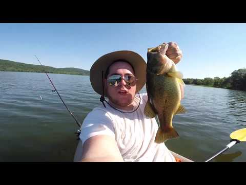 Bass Fishing Rockland Lake / Catch And Cook