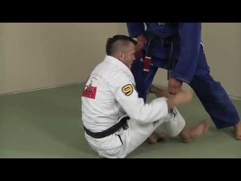 The First Sweep to Go For from de la Riva Guard