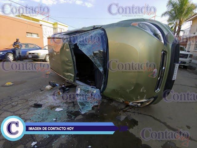 🚨🚨 Se vuelca una Kia en Dolores del Río; conductora, con golpes leves.   #Durango
