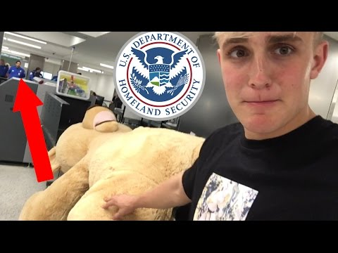 TAKING 9ft TEDDY BEAR ON AN AIRPLANE (cops came)