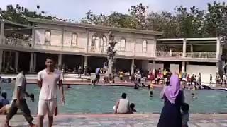 Penyelamatan anak tenggelam di kolam renang di wego lamongan