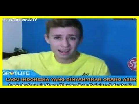 Lagu Indonesia yang Dinyanyikan Orang Asing