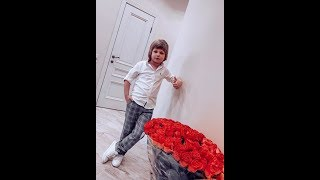 Сын Евгении Феофилактовой Даниэль Гусев устал от танцев ))
