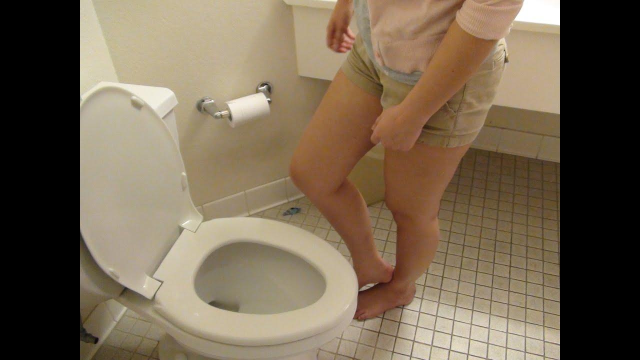 Is bloody urine a symptom of bladder cancer?