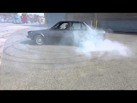 S50 swapped E30 325i donuts & drift