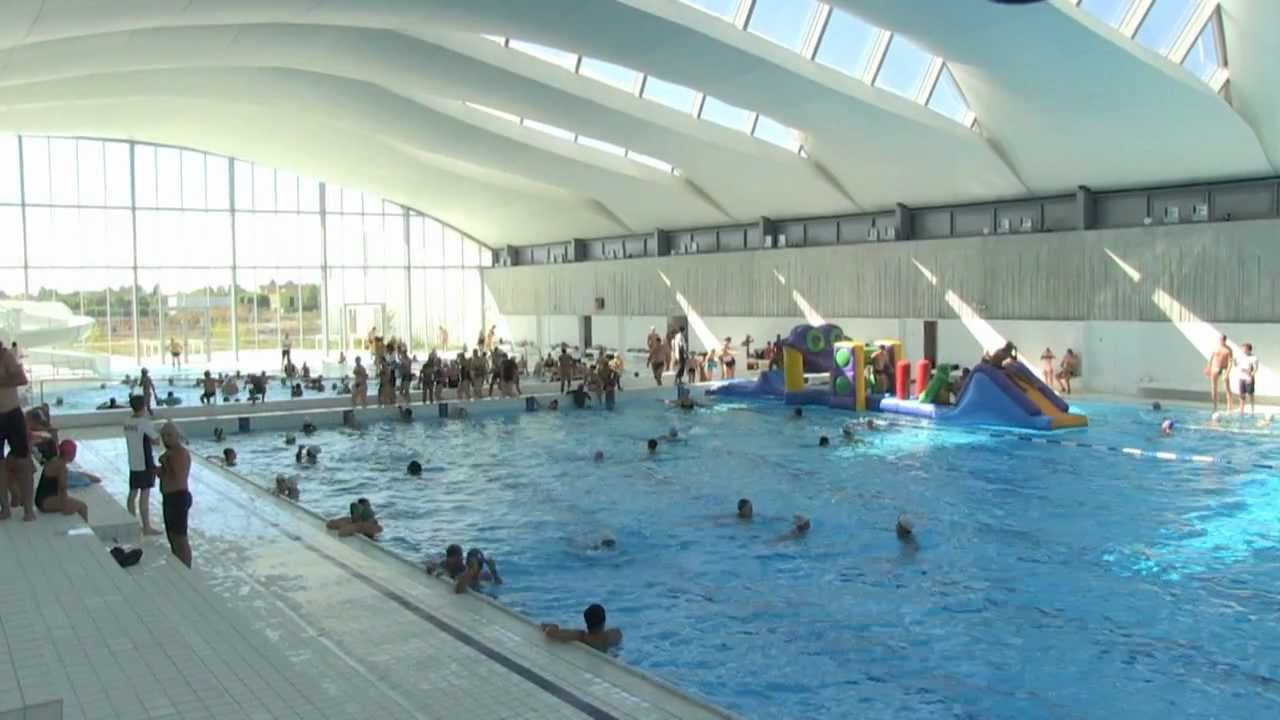 Inauguration du centre aquatique du val d 39 europe youtube for Piscine val d europe